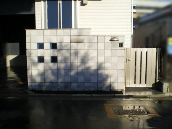 霞ケ関造作門柱施工後1