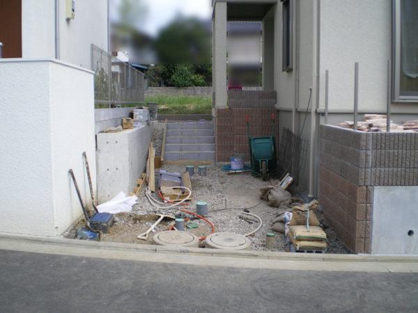 川越市新築エクステリアの玄関アプローチ3
