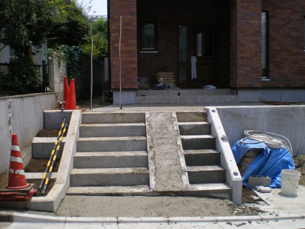階段部分施工中715-1