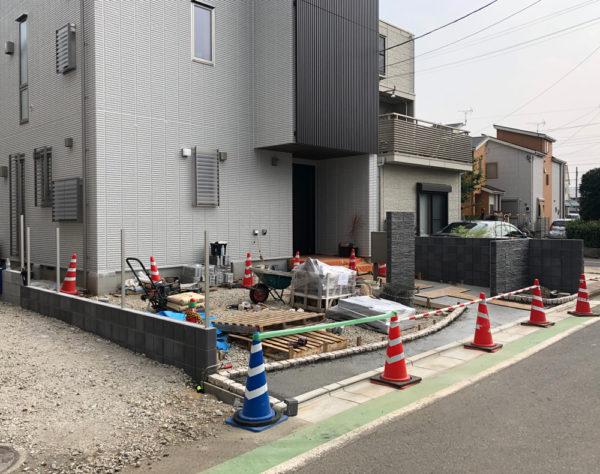 志木市の新築エクステリア施工中2