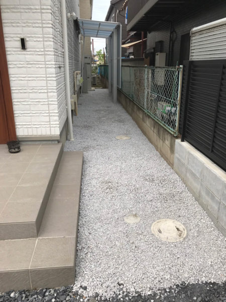 川越市小室砂利敷き工事とサイクルポート1