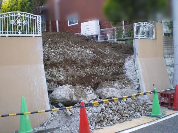 所沢市擁壁解体・駐車場の設置工事3