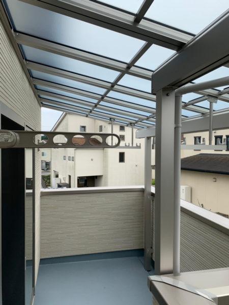 川越市小室 ベランダ屋根と物干し竿受けの設置2