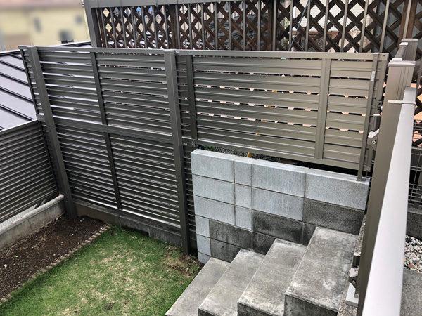 川越市新宿 目隠しフェンスと門扉の工事1