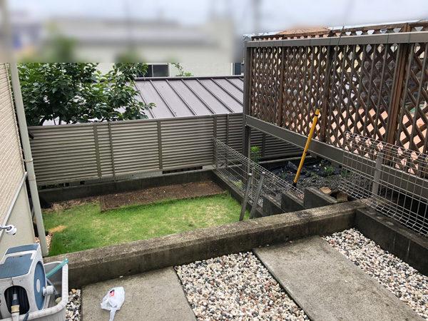 川越市新宿 目隠しフェンスと門扉の工事の施工前1