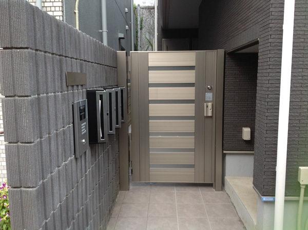 川越市小仙波のアパートの集合ポストと門扉工事2-1