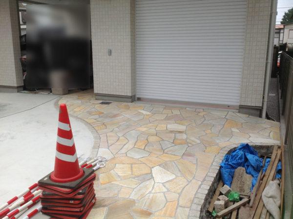 所沢市 庭のコンクリート工事と乱形石3