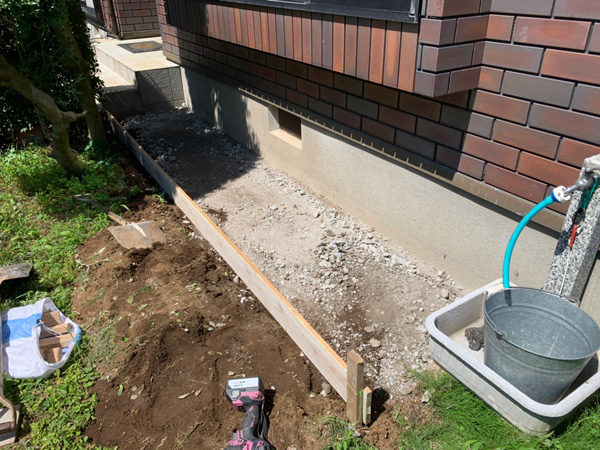 所沢市犬走りの土間コンクリート2-2
