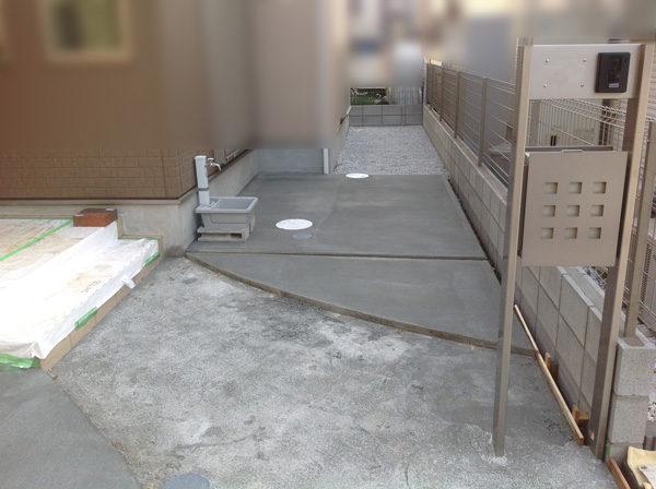 三芳町土間コンクリート奥の家2の施工中