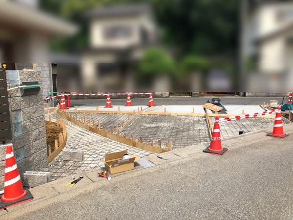 川越市の土間コンクリート工事NO.20の施工中正面1