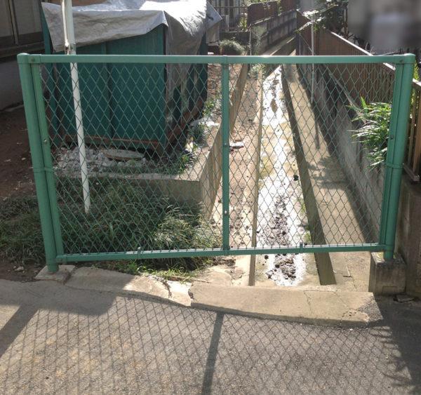 川越市フェンス工事施工前1
