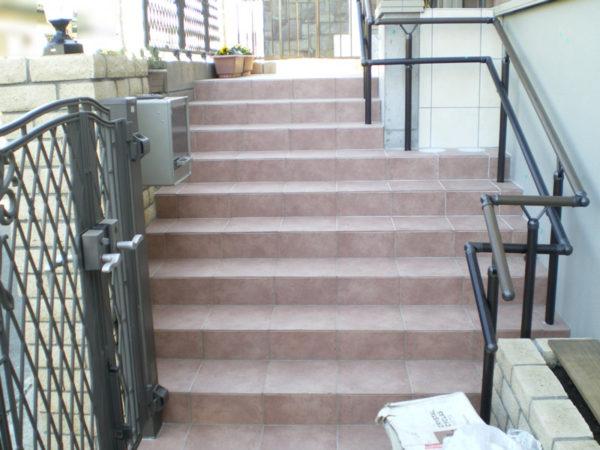 玄関前階段2の施工後
