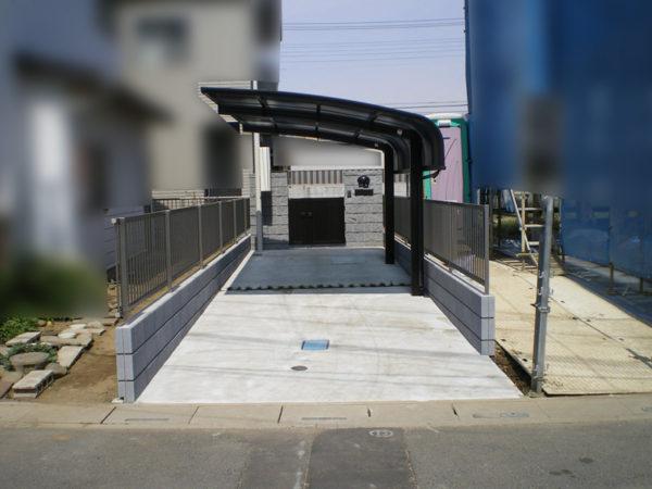 駐車場コンクリートとカーポートの施工後5