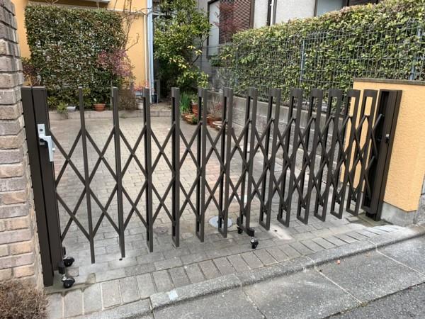 川越市岸町 伸縮門扉設置工事のサムネイル