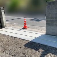 埼玉県吉見町 伸縮門扉と土間コンクリートの工事のサムネイル