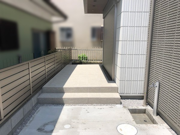 所沢市 タイルテラスと土間コンクリートのサムネイル