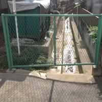 川越市小仙波の目隠しフェンス設置工事の様子のサムネイル